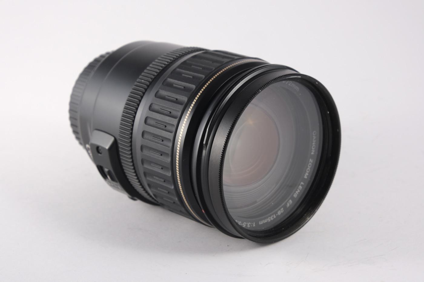 Canon EF 28-135mm f/3.5-f/5.6 IS USM zoom lens